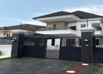NEWLY BUILT 2UNITS MASSIVE 5BEDROOM FULLY DETACHED DUPLEX PLUS BQ WITH SOME SUPER FINISH  ON SECURED ESTATE ON CHEVRON LEKKI LAGOS. PRICE: N130M ASKING.