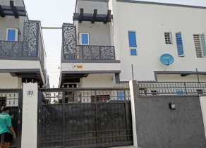 NEWLY BUILT 4BEDROOM SEMIDETACHED DUPLEX WITH A ROOM BQ AT AJAH LAGOS!!!