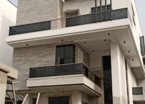 NEWLY BUILT CONTEMPORARY DESIGN 5BEDROOM FULLY DETACHED DUPLEX WITH A ROOM BQ AND SWIMMING POOL AT LEKKI PHASE1 LAGOS!!!