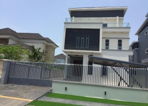 SUPER LUXURY 5BEDROOM FULLY DETACHED DUPLEX WITH SWIMMING POOL AT PINOCK BEACH ESTATE LEKKI OSAPA LAGOS!!!