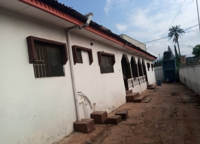 A UNIT OF TWO FLATS COMPRISES OF 4BEDROOM AND 3BEDROOM FLATS IMMEDIATELY BEHIND DIAMOND/ACCESS BANK AT BANK ROAD, NEW IYIN ADO-EKITI, EKITI STATE!!!