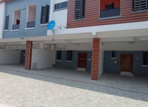 NEWLY BUILT 4BEDROOM SERVICE TERRACE DUPLEX WITH A ROOM BQ IN AN ESTATE AT CHEVRON LEKKI LAGOS!!!