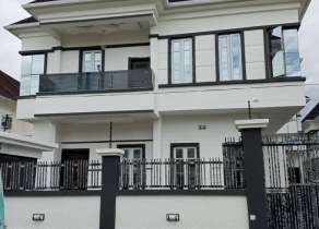 NEWLY BUILT 5BEDROOM FULLY DETACHED DUPLEX IN A SECURED ESTATE AT IKATE LEKKI CHEVY LEKKI PHASE1 OFF FREEDOM WAY, LEKKI LAGOS!!!